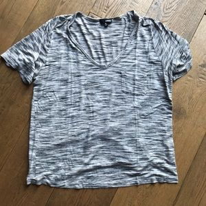 Wilfred V-Neck Tee